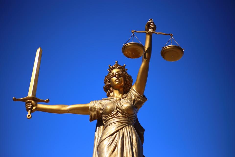 「法律不完善是司法部的過錯 ,為什麼要讓國民承擔後果呢?如果趙某刑滿後,搬到檢察官或審判官家附近,他們能安心過日子嗎?如果搬到議員們家附近呢,他們又會怎麼樣⋯⋯」