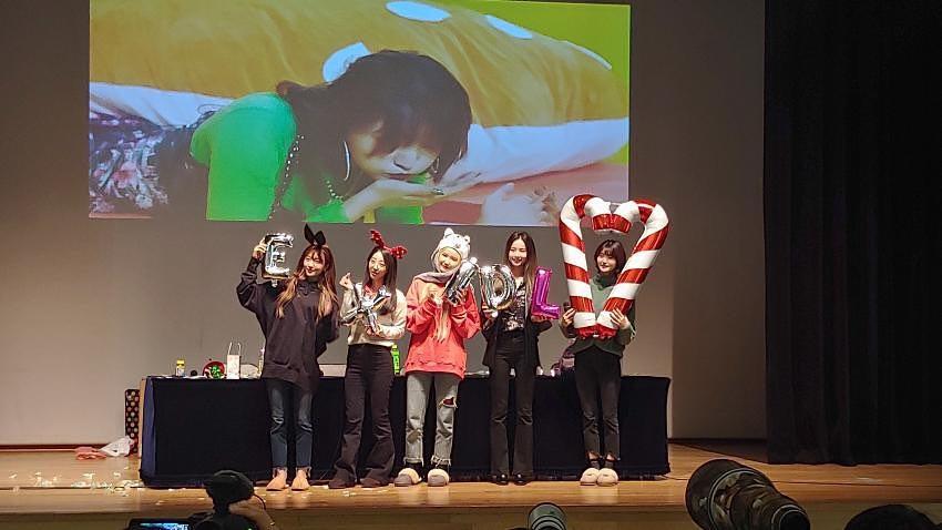 不只LE,還有終於回來的率智,希望她們五兄弟都能好好的~而且一定要提的是,對台灣LEGGO們來說,今年的最後一天有一件非常重要的事!!!