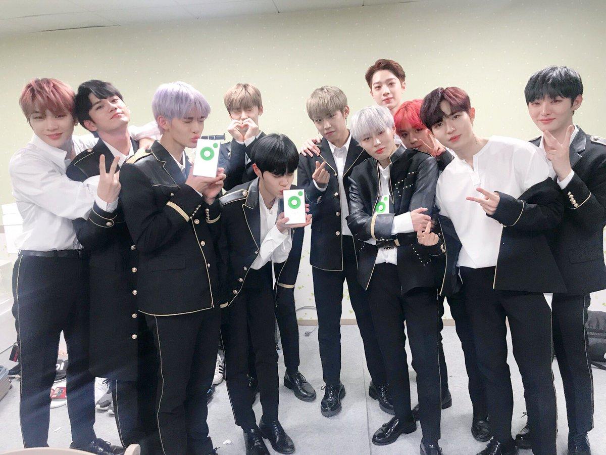日前更是在韓國主要頒獎典禮之一的《Melon Music Awards》獲得最後四大獎項其中的「Best Records獎」,這個獎項有如美國葛萊美獎的獎項
