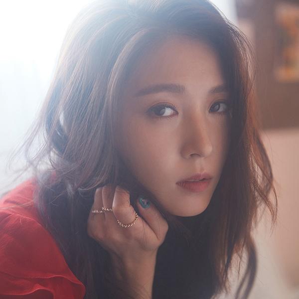 #寶兒 不能不提到我們女王寶兒!2000年出道的她已經是韓國樂壇大前輩,現場演出幾乎場場開全麥,彷彿吃CD般的表演實力,完全無人能敵,加上清亮的嗓音更是超有辨識度~