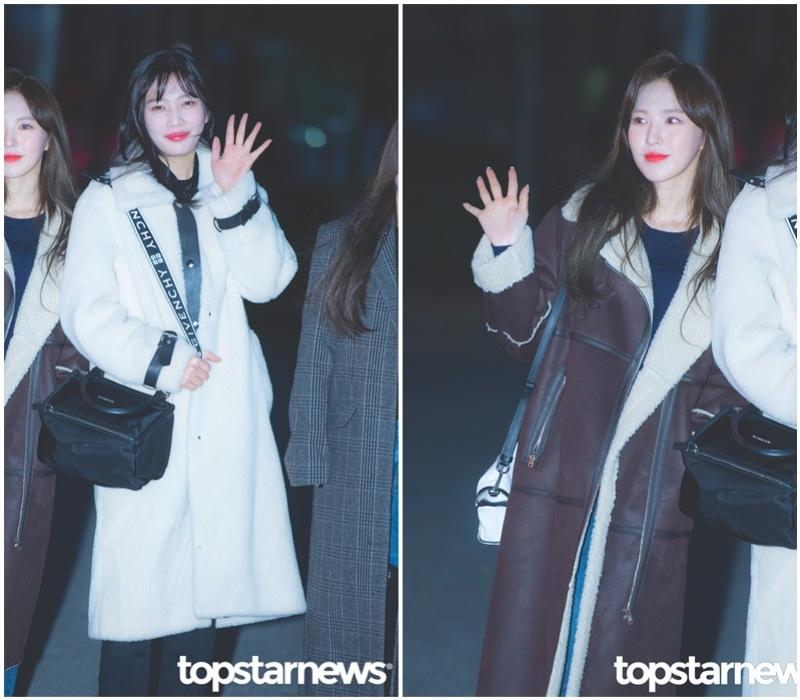 今年最夯的大衣款式都在這裡啦!Joy身上的雪白色的絨毛大衣可愛又時尚~走在路上超吸睛!還有Wendy的羊羔毛外套有別於Joy的清純風格,更多了一些成熟的感覺~