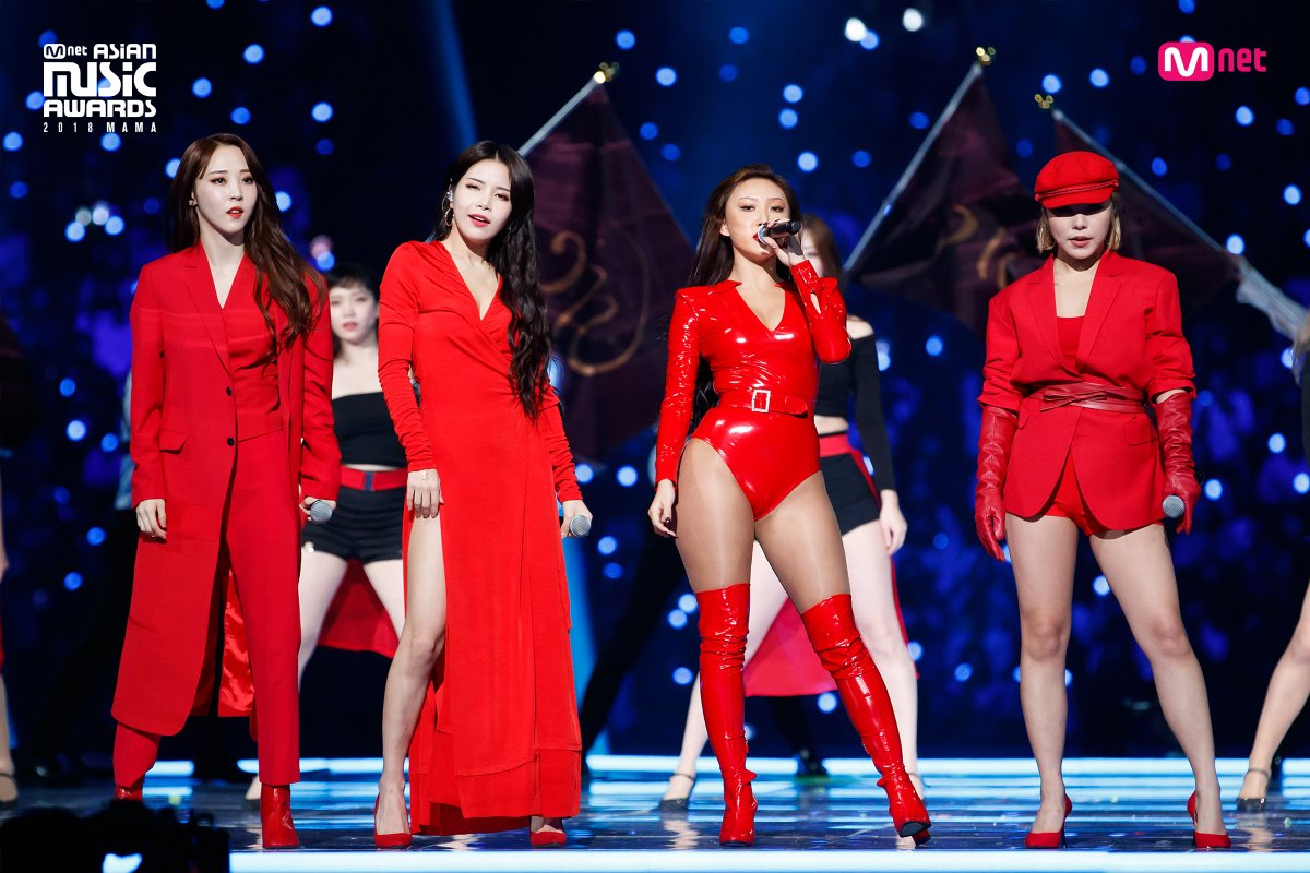 MAMAMOO的表演結束後,包含團名MAMAMOO,華沙、頌樂等名字都佔領了韓國實時搜尋排行榜上,她們這次的表演更可以堪稱是「歷代級舞台」!