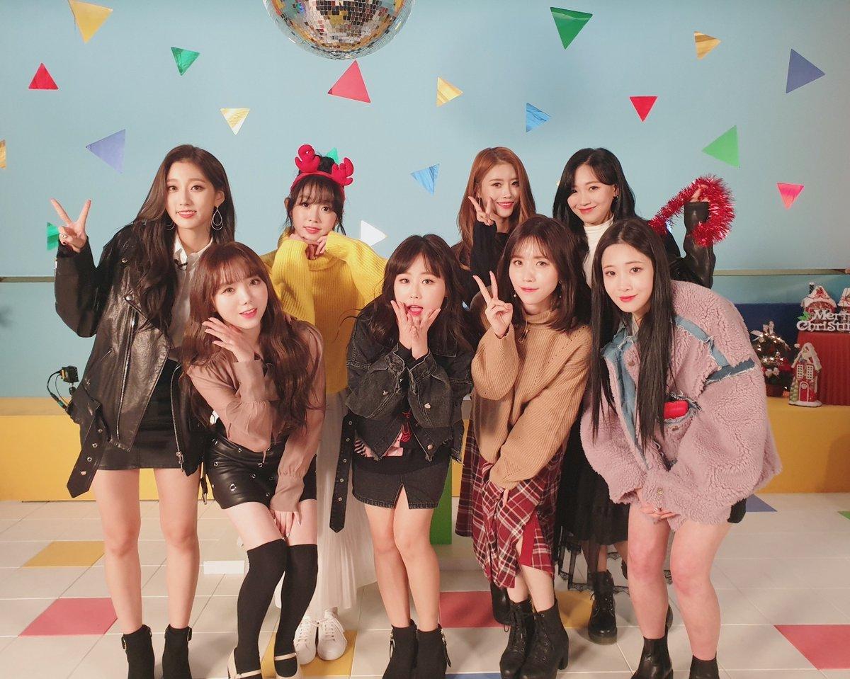 Lovelyz 帶著迷你五輯《SANCTUARY》回歸,而她們也在12月10日去了鎰勳的廣播節目《Idol Radio》擔任來賓。