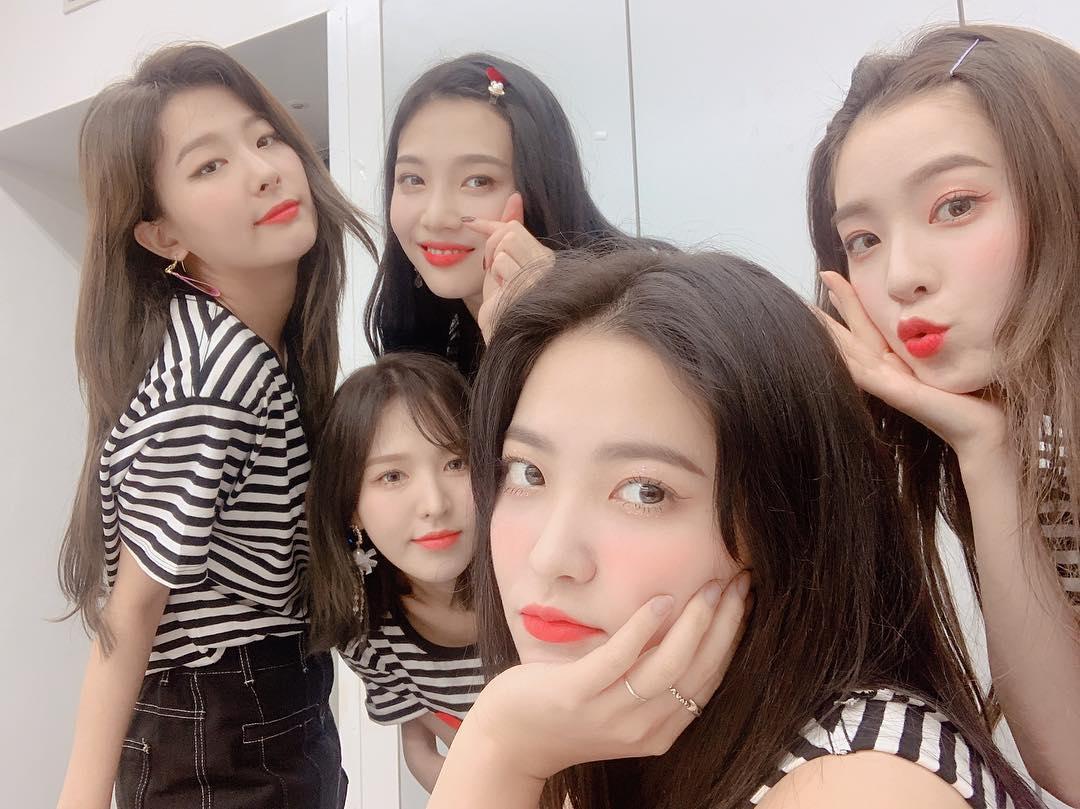 Red Velvet的Wendy也在近期公開自己的短髮造型,出道以來首次嘗試短髮造型的Wendy也獲得大量好評! 粉絲們最近喜歡的女偶像中,有哪些也是超適合短髮造型的偶像嗎? 歡迎留言跟大家分享喔!^^