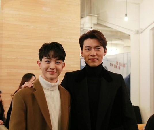 1999年出生的鄭惟安和炫彬同一個經紀公司,去年在電視劇《過來抱抱我》、電影《與神同行:最終審判》及網路劇《Top Management》以精湛的演技成為2018年最受矚目的新人之一。
