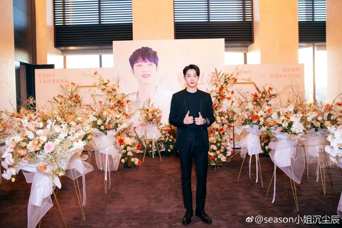 賴冠霖以WANNA ONE成員活動時就有很多中國粉絲支持,所以經紀公司Cube娛樂也安排他在中國好好的發展,而這幾天的宣傳真的是十分強大。