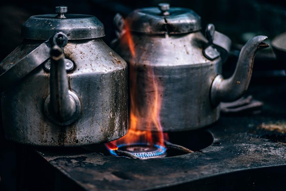 可是卻有人留言說:「如果把原湯(진국)和牛骨湯(곰국)用來熬湯的話肯定會很美味,你的電影很好看喔。」