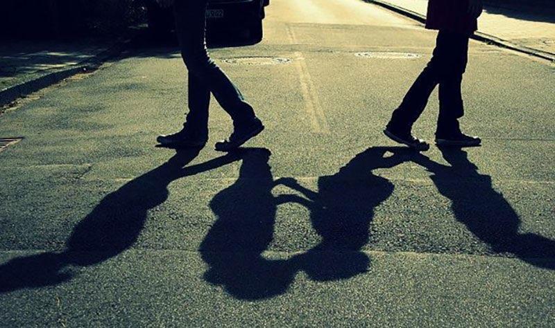 網友看完後一致認為:「一看就知道沒有結婚的緣份」、「你們兩個人到底在幹嘛?」、「這愛情很明顯已經結束了!」小編看了之後也很不能理解,到底是在演哪齣?兩人對對方都沒有百分之百的愛,只是不想少一個人陪而已。大家認為呢?