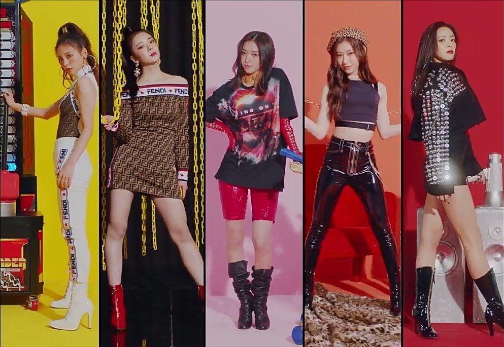 #ITZY 在TWICE之後JYP終於要推出新女團啦!JYP娛樂在近期表示新女團已經拍攝完MV,大家也都在猜測新女團名單裡的人選。近期也已經公布團名及5位成員,想必出道日也不遠啦!就讓我們一起期待今年JYP推出的新女團吧!