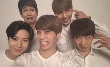 韓國明星最愛的拍照法 懂得這招一秒帥過元斌