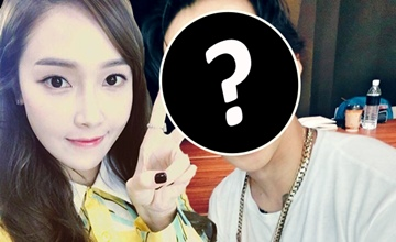 Jessica和「他」都染上彩虹髮色♡美到讓韓網民都跪求高清照!