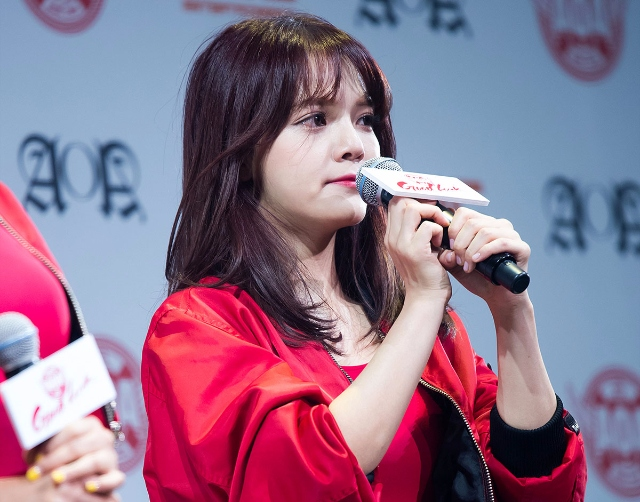 AOA成員落淚道歉 但MV又惹麻煩 連網友也搖頭說「難解決」