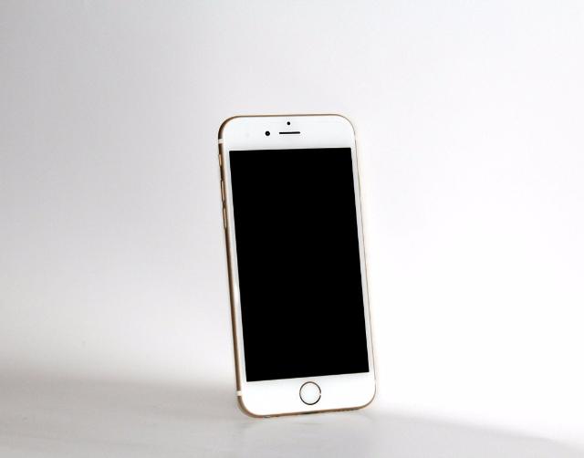 配合10周年 蘋果想直接跳號變iPhone 10?
