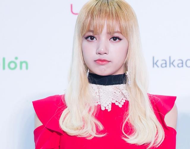 次世代的美腿擔當就是她無誤!被韓網友讚為「非現實的腿 」的BLACKPINK成員?