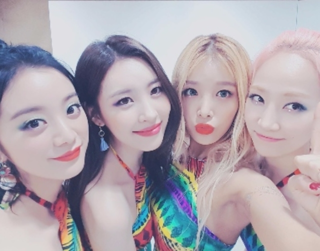 "JYP大樓外觀做了10年來第一次這樣的""改動"" 卻傷透了Wonder Girls粉絲的心..."