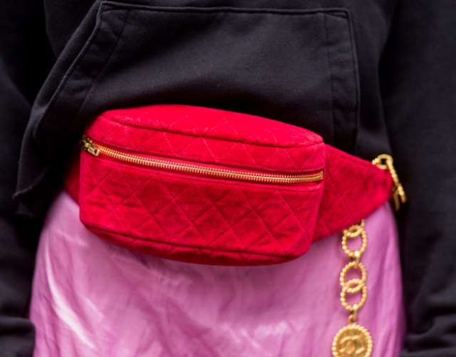 Fanny Pack復古霹靂腰包重返時尚主場